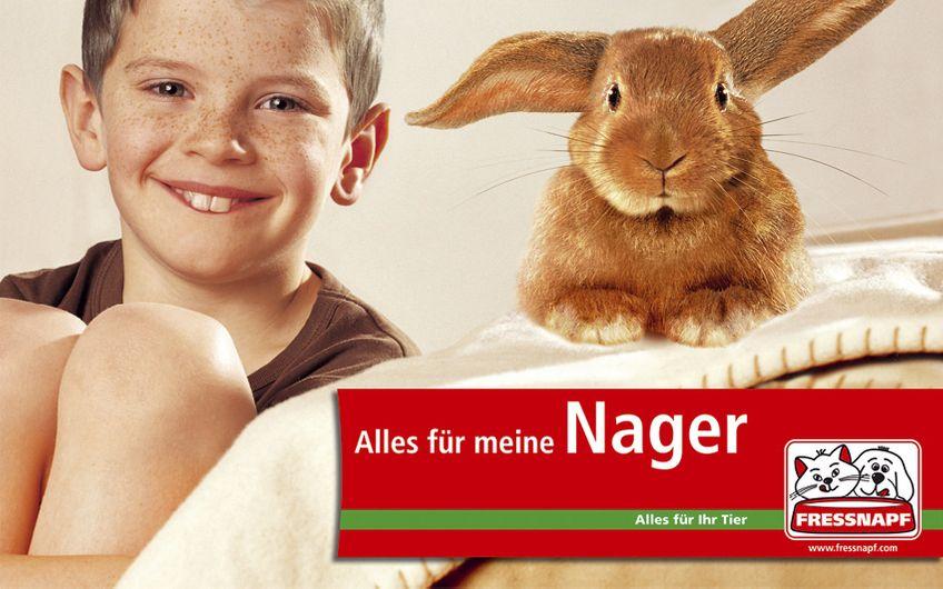 Die Kampagne für Fressnapf greift frappierende Ähnlichkeiten auf, die zwischen so manchem Tierhalter und seinem Liebling bestehen: 19 Motive für weit über 1.000 Märkte in Deutschland und ganz Europa.