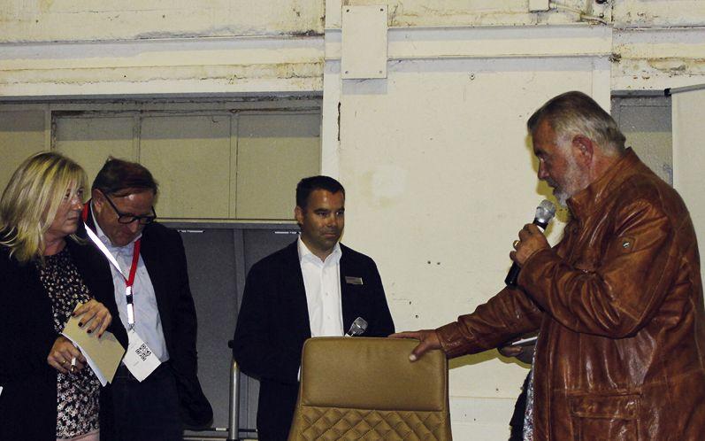 Der Preis des von Harry Wijnvoord moderierten Gewinnspiels war dieser Bürostuhl der Firma Lüllmann