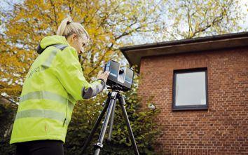 Mithilfe von Hochgeschwindigkeits-Laserscannern lässt sich die Fassadendicke an jeder Stelle einer Immobilie präzise bestimmen
