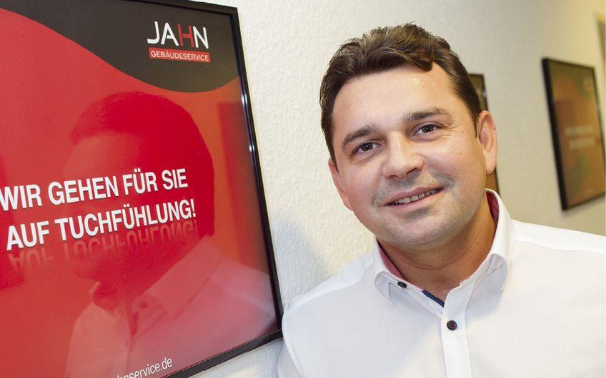 Sascha Jahn ist der Geschäftsführer der Jahn Gebäudeservice GmbH mit Sitz in Bonn