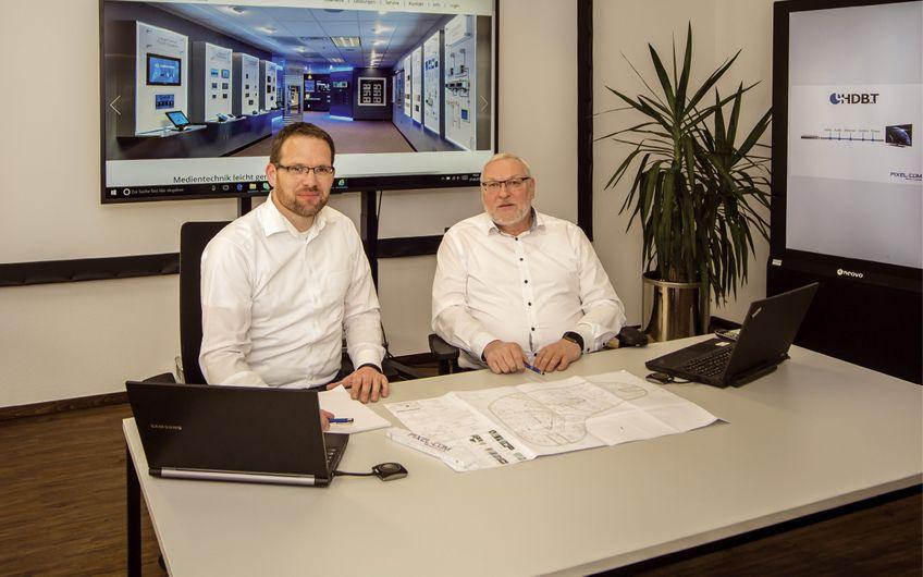 Projektleiter Guido Nabel mit Firmeninhaber und Geschäftsführer Hubert Hermann (v.l.)