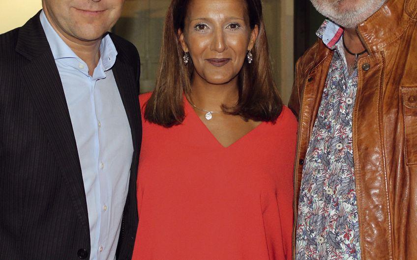 Helge Brinkschulte und Susan Kastell (Brinkschulte Medien) mit Entertainer Harry Wijnvoord (v.l.)