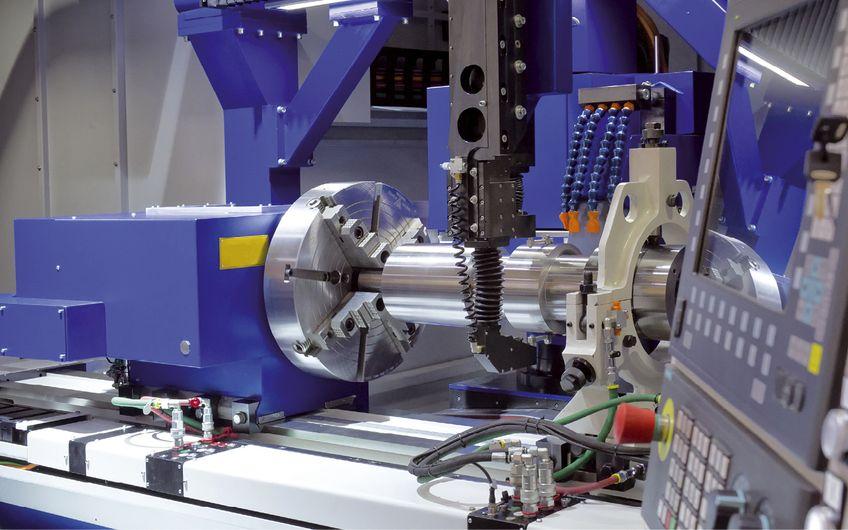 GIS Personallogistik: Millimeterarbeit an  großen Maschinen