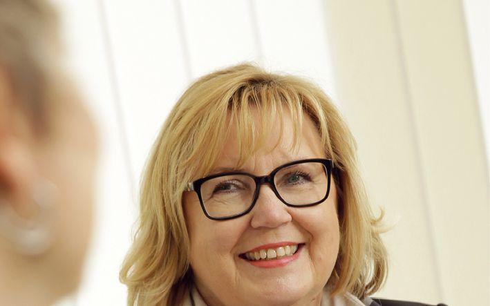 Geschäftsführerin Jutta Tacke ist nicht nur steuerberatend tätig, sondern ebenso Fachberaterin für Unternehmensnachfolge