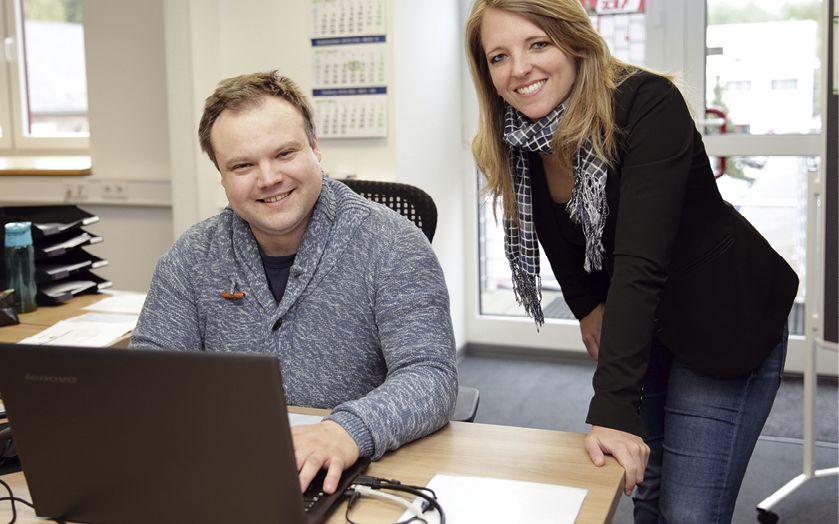 Die Projektmanager Marcel Krafczyk und Lea Bröckers