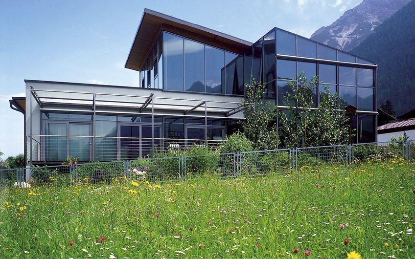 Große Fensterflächen sind modern (Foto: VFF/Interpane)