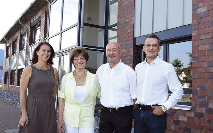 Firmengründer und die nächste Generation. Geschäftsführung der Firma Harmuth Entsorgung: (v.l.) Britta Harmuth, Ursula Harmuth, Stefan Harmuth und Stefan Strüngmann