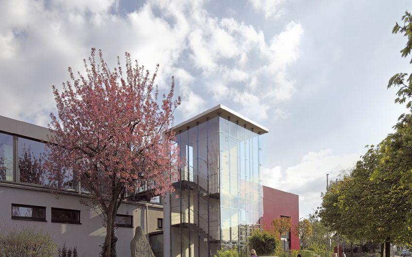 Stiller Architekten Planungsgesellschaft: Architektur im Dienste  der Menschen