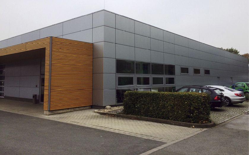 Außenansicht der für die Gelsenwasser AG gebauten Systemhalle
