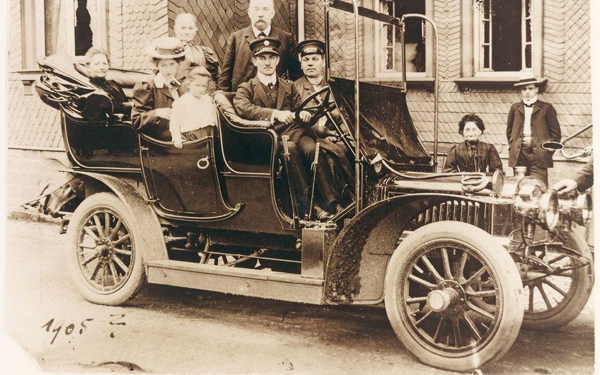 Fahrzeug-Werke LUEG: Leidenschaft für Mobilität