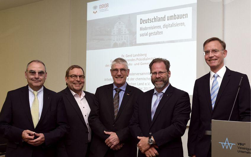 Frank Witte, Holger Lassen, Mathias Conrads, Dirk Sachsenröder und Dr. Gerd Landsberg (v.l.)
