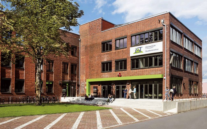 IST-Hochschule für Management: Neu in 3D: B.A.-Studiengang  Business Administration