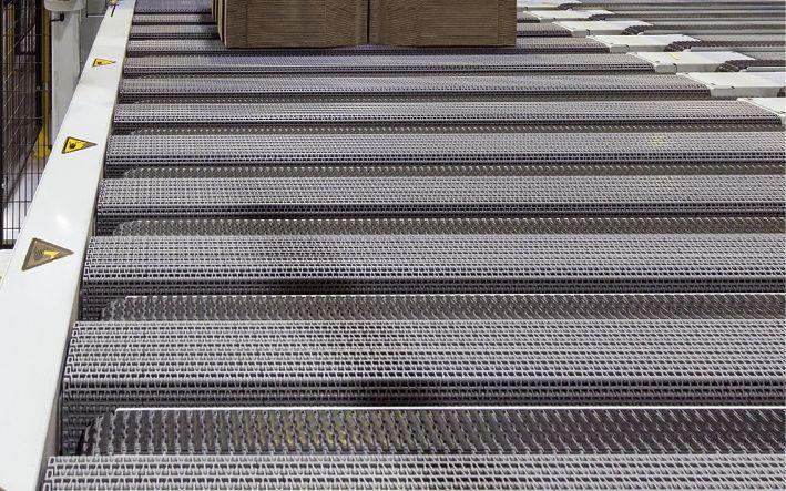 Materialschonender Nutzentrenner im Auslauf der hochmodernen Rotationsstanze Göpfert Evolution Foto: © Wort & Lichtbild