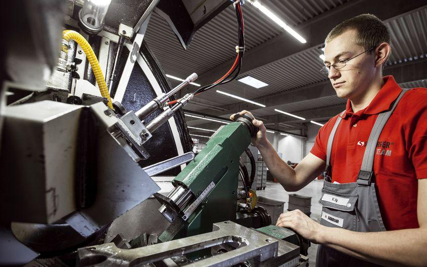 Metallbe- und -verarbeiter: Stanzen, Ziehen, Walzen …
