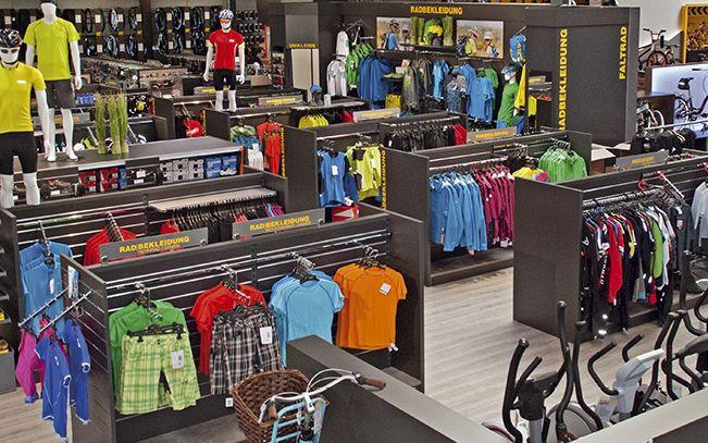 Große Auswahl an Radbekleidung und Zubehör