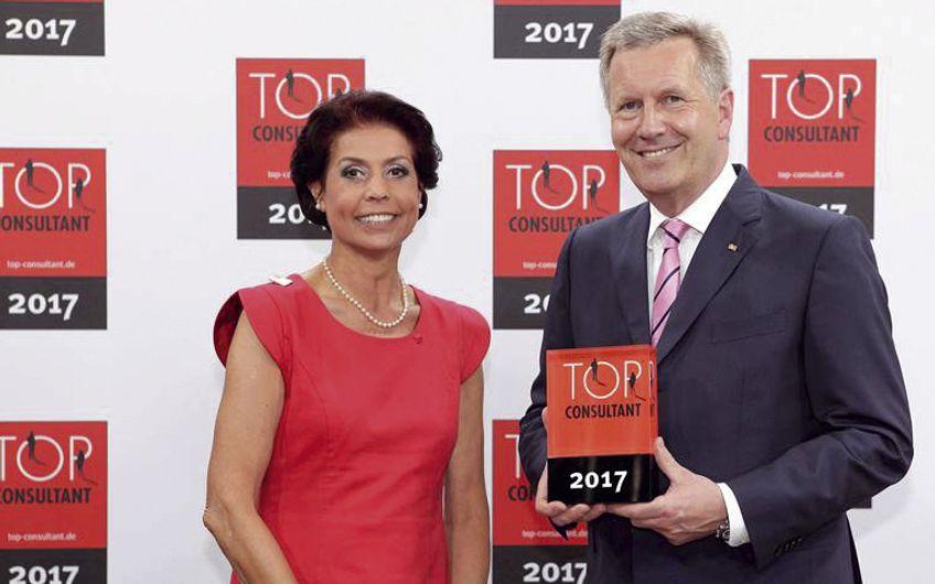 Christian Wulff  überreicht Auszeichnung