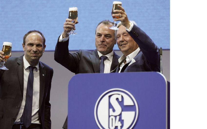 Brauerei C. & A. Veltins: S04 verlängert  Namensrechtsvertrag