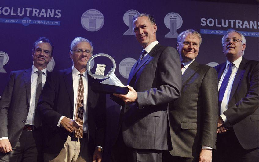 Die jährliche Auszeichnung wird an eine Modellreihe vergeben, die den größten Beitrag zur Straßentransporteffizienz leistet.