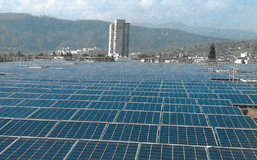 Solaranlage bei der Firma Obi Migros, Schweiz