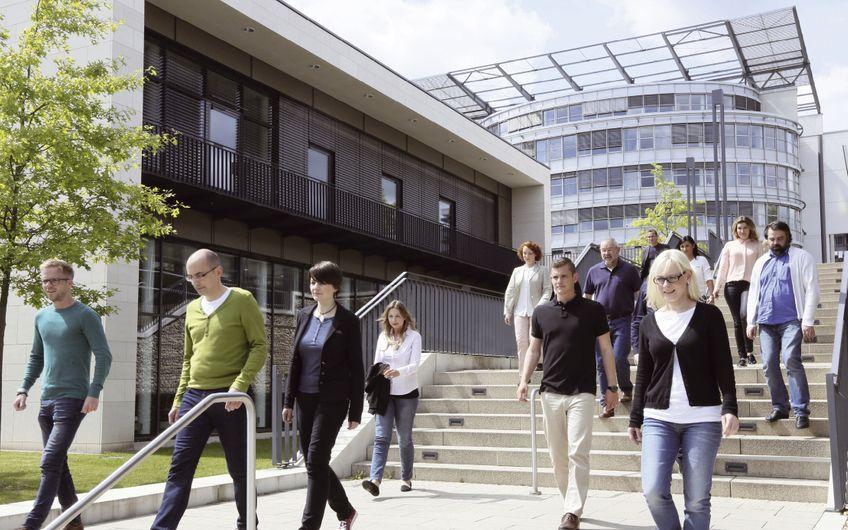 FernUniversität in Hagen: Brücke zwischen Wirtschaft und Wissenschaft