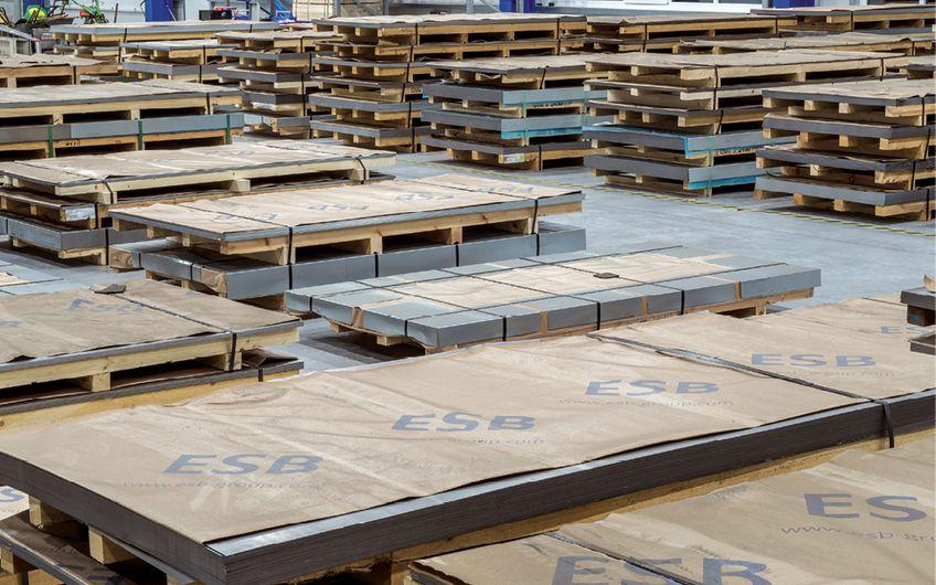 Die Lagerhalle der European Steel Business Deutschland GmbH (ESB)