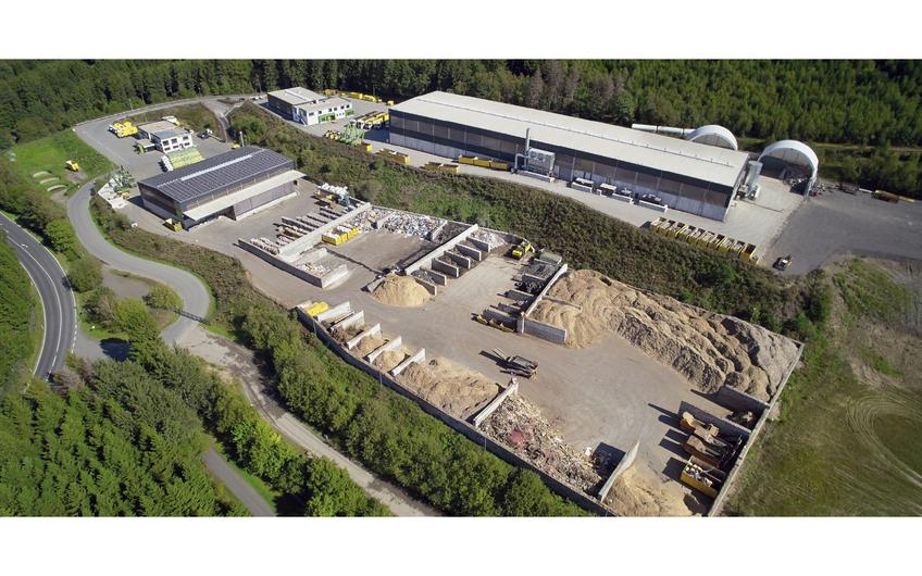 Am Hauptsitz am Rothen Stein in Olpe werden auf 12 ha Fläche mehrere Recyclinganlagen betrieben