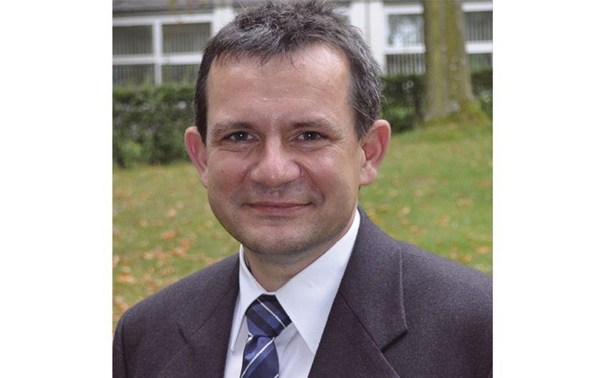 Prof. Dr. Thomas Tröster von der Universität Paderborn