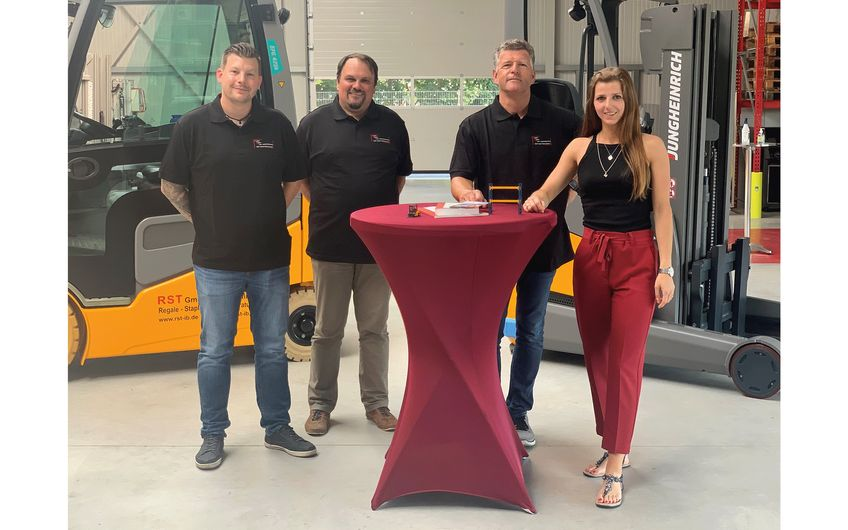 Daniel Breidenbach, Mirco Blut, Ralf Schnirch (Geschäftsführer), Melina Schnirch