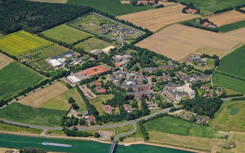 Ein Beispiel für vielfältige Großliegenschaften: der Alexianer-Campus in Münster-Amelsbüren – Klinik, Werkstätten, Hotel & Tagungszentrum, Maßregelvollzug…
