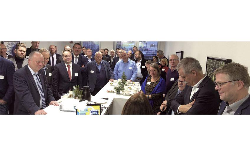Annick vom Kolke (Mitte) referierte über das Gewinnen von niederländischen Fachkräften