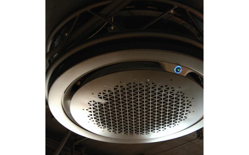 Klimaanlage in Industrial Design mit hochwertiger Luftreinigungstechnik - tötet Viren und Bakterien ab.