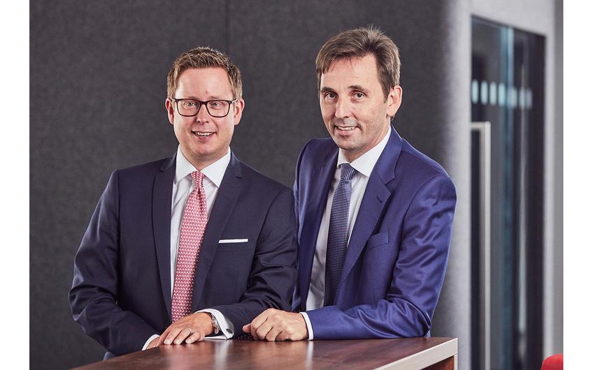 Mark Steinbach und Andreas Fischer, Geschäftsführer der Opta-Data-Gruppe