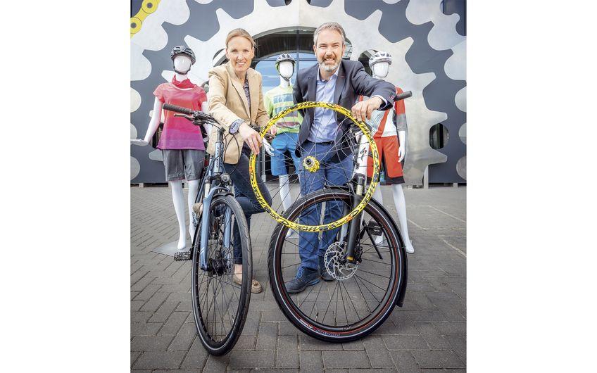 Isabell und Ingo Pahrmann, geschäftsführende Gesellschafter der Löckenhoff und Schulte GmbH Foto: Christoph & Thomas Meinschäfer