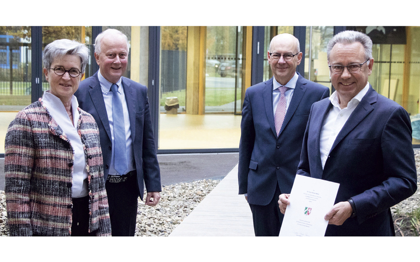 Ministerialrätin Sigrid Rix-Diester, Hochschulratsvorsitzender Dr. Dieter Porschen, Hochschulpräsident Dr. Thomas Grünewald und Dr. Norbert Miller (v.l.)