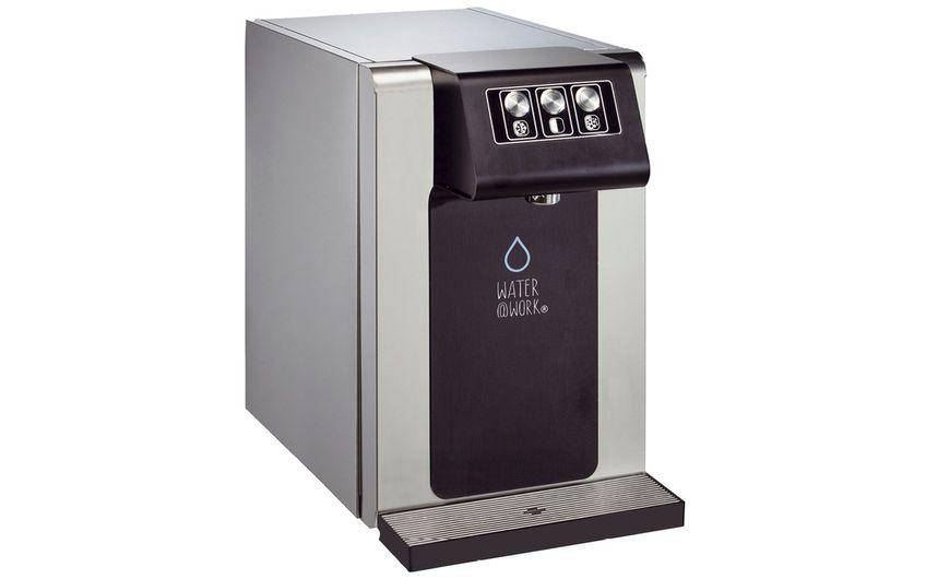 Das Tafelwassergerät gibt es je nach Mitarbeiterzahl in zwei Versionen