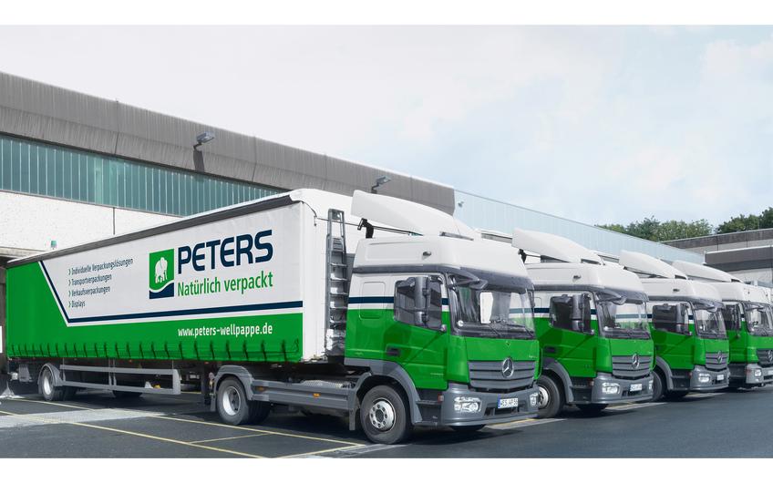 Elf eigene Lkw (teils mit Hybridantrieb) und Partnerspeditionen beliefern die Kunden