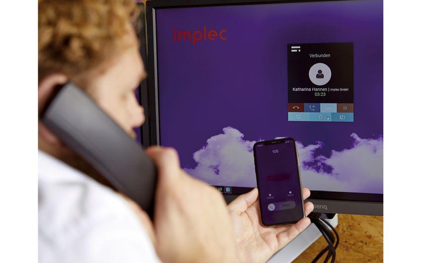 Durch Cloud-Telefonie wirken Festnetz und Mobilfunk perfekt zusammen