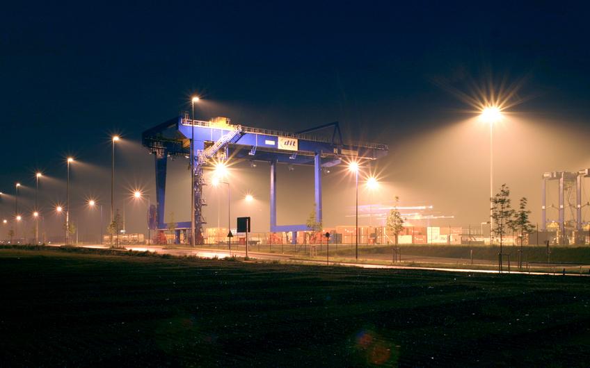 Außenbeleuchtung West: Lösungen für Industrieanlagen