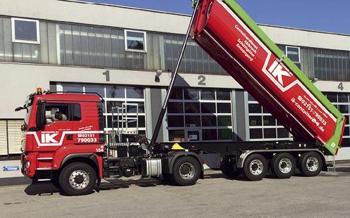 Täglich steuern rund 60 Fahrzeuge des Entsorgers und Baustoffhändlers IK die Baustellen der Auftraggeber an